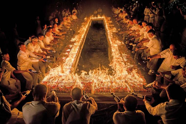 72,000-Burning-Candles-Guinness-World_Record-sm